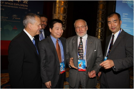 China_Beijing_ASE-Congress_10-Sept-2014_Official-Opening_Dorin-Prunariu_Yang-Liwei_Buzz-Aldrin_Soichi-Noguchi