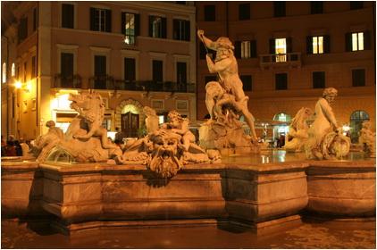 Rome-foutain-in-night-Piazza-Navona