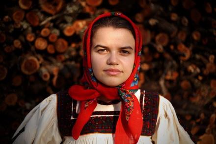 fata-din-oas emilian moldovan