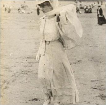 rochie baie secolul XIX